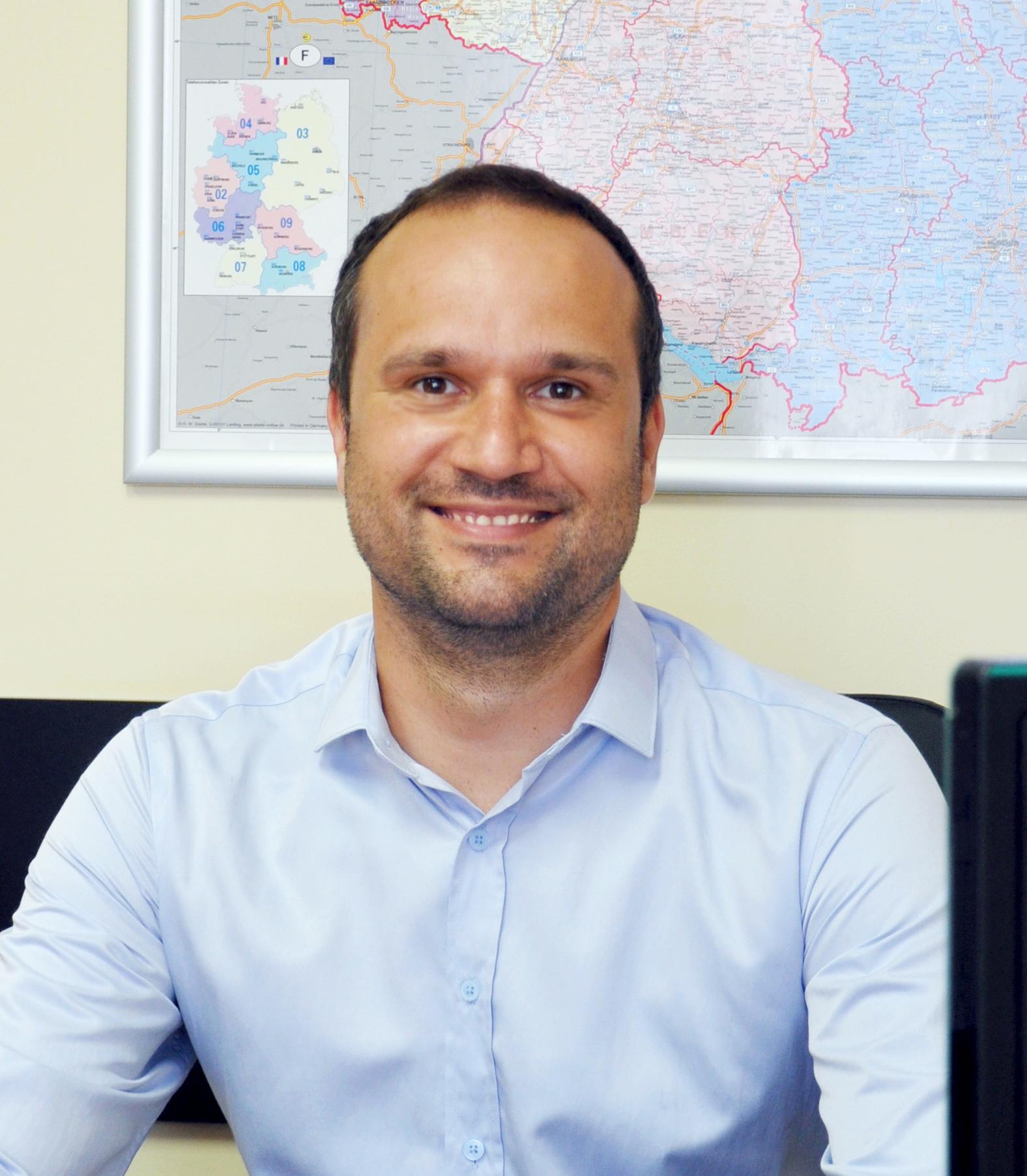 Атанас Велинов : Сервисный Менеджер